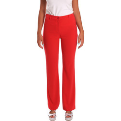 vaatteet Naiset Chino-housut / Porkkanahousut Gaudi 811FD25013 Punainen