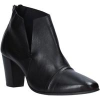 kengät Naiset Nilkkurit Mally 6877 Musta