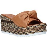 kengät Naiset Sandaalit Bueno Shoes N3604 Ruskea