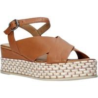 kengät Naiset Sandaalit ja avokkaat Bueno Shoes Q5901 Ruskea