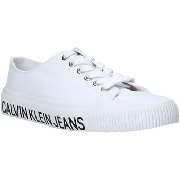 kengät Naiset Matalavartiset tennarit Calvin Klein Jeans B4R0807X Valkoinen