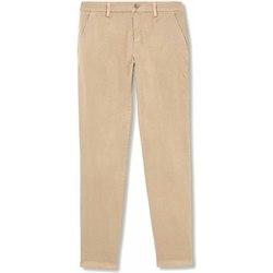 vaatteet Naiset Chino-housut / Porkkanahousut Liu Jo W18367T6303 Beige