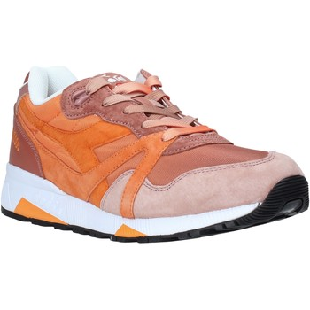 kengät Miehet Matalavartiset tennarit Diadora 501173071 Oranssi