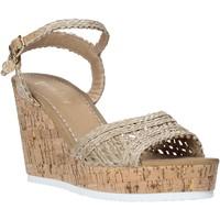 kengät Naiset Sandaalit ja avokkaat Gold&gold A20 GJ263 Beige