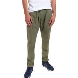 vaatteet Miehet Chino-housut / Porkkanahousut Gaudi 011BU25015 Vihreä