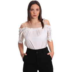 vaatteet Naiset Topit / Puserot Gaudi 811FD45011 Beige