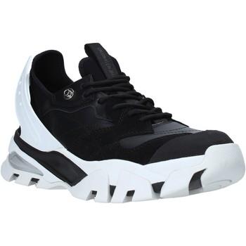 kengät Miehet Matalavartiset tennarit Calvin Klein Jeans B4S0665 Musta