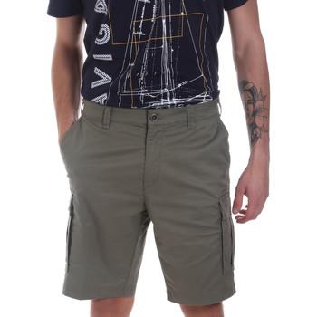 vaatteet Miehet Shortsit / Bermuda-shortsit Navigare NV56033 Vihreä