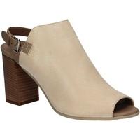 kengät Naiset Sandaalit ja avokkaat Mally 5738 Beige