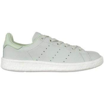 kengät Naiset Matalavartiset tennarit adidas Originals Stan Smith Boost Vihreät