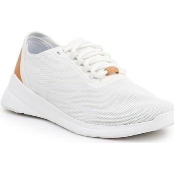 kengät Naiset Matalavartiset tennarit Lacoste LT Fit Valkoiset