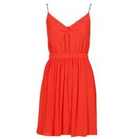 vaatteet Naiset Lyhyt mekko Tommy Jeans TJW ESSENTIAL STRAP DRESS Punainen