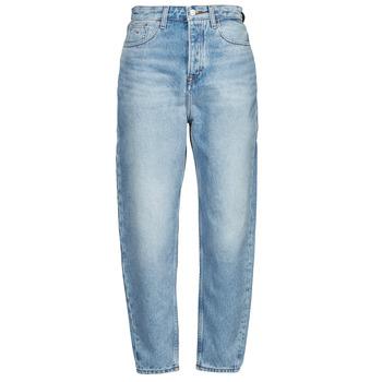 vaatteet Naiset Boyfriend-farkut Tommy Jeans MOM JEAN ULTRA HR TPRD EMF SPLBR Sininen / Clear