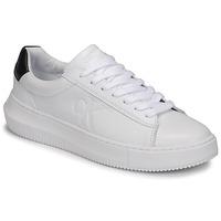 kengät Naiset Matalavartiset tennarit Calvin Klein Jeans CHUNKY SOLE SNEAKER LACEUP LTH Valkoinen