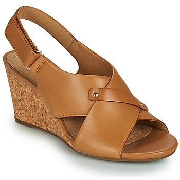kengät Naiset Sandaalit ja avokkaat Clarks MARGEE EVE Beige