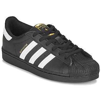 kengät Lapset Matalavartiset tennarit adidas Originals SUPERSTAR C Musta / Valkoinen