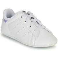 kengät Tytöt Matalavartiset tennarit adidas Originals STAN SMITH CRIB SUSTAINABLE Valkoinen / Hopea