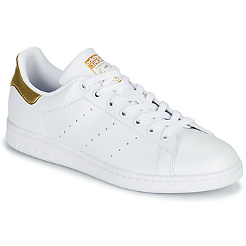kengät Naiset Matalavartiset tennarit adidas Originals STAN SMITH W SUSTAINABLE Valkoinen / Kulta