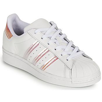 kengät Tytöt Matalavartiset tennarit adidas Originals SUPERSTAR J Valkoinen