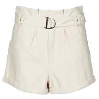 vaatteet Naiset Shortsit / Bermuda-shortsit Betty London ODILE Beige