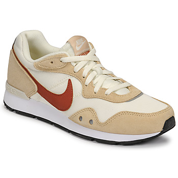 kengät Naiset Matalavartiset tennarit Nike NIKE VENTURE RUNNER Beige / Ruskea