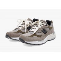 kengät Matalavartiset tennarit New Balance JJJJound x New Balence 992 Beige Beige - Grey