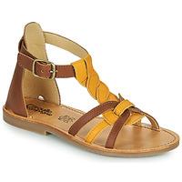 kengät Tytöt Sandaalit ja avokkaat Citrouille et Compagnie GITANOLO Keltainen / Kamelinruskea