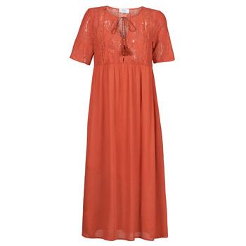 vaatteet Naiset Pitkä mekko Betty London ORVILLE Punainen