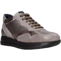 kengät Naiset Matalavartiset tennarit CallagHan 40700 Harmaa