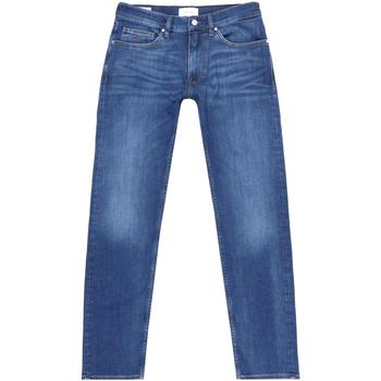 vaatteet Miehet Suorat farkut Calvin Klein Jeans K10K105463 Sininen