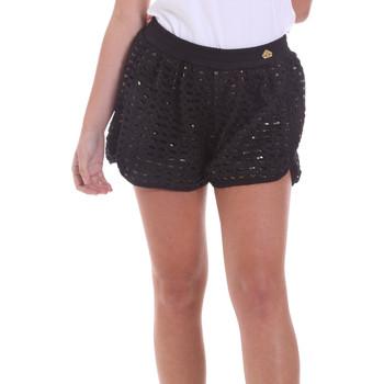 vaatteet Naiset Shortsit / Bermuda-shortsit Fornarina BE171M03H26400 Musta