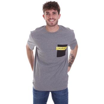 vaatteet Miehet Lyhythihainen t-paita Calvin Klein Jeans K10K105579 Harmaa