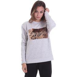 vaatteet Naiset Lyhythihainen t-paita Calvin Klein Jeans K20K202455 Harmaa