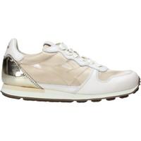 kengät Naiset Matalavartiset tennarit Diadora 201172775 Beige