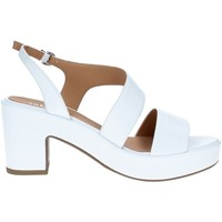 kengät Naiset Matalavartiset tennarit Tres Jolie 2661/G60 WHITE