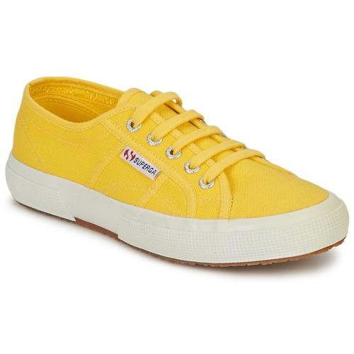 kengät Naiset Matalavartiset tennarit Superga 2750 CLASSIC Yellow
