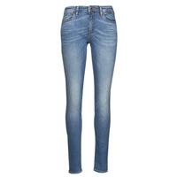 vaatteet Naiset Slim-farkut Emporio Armani 6K2J28 Sininen