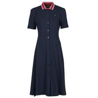 vaatteet Naiset Lyhyt mekko Tommy Hilfiger PIQUE F&F MIDI POLO DRESS SS Laivastonsininen