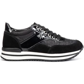 kengät Naiset Matalavartiset tennarit Lumberjack SW04805 010 V91 Musta