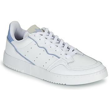 kengät Matalavartiset tennarit adidas Originals SUPERCOURT Valkoinen / Sininen