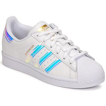 kengät Naiset Matalavartiset tennarit adidas Originals SUPERSTAR W Valkoinen