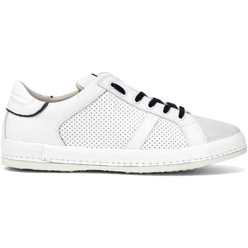 kengät Miehet Matalavartiset tennarit Café Noir PT1050 Valkoinen