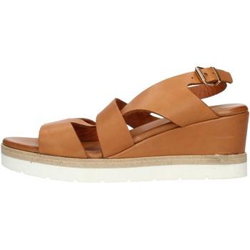 kengät Naiset Sandaalit ja avokkaat Inuovo 121022 Leather
