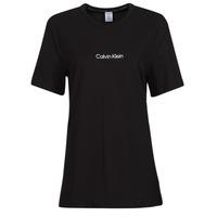 vaatteet Naiset Lyhythihainen t-paita Calvin Klein Jeans SS CREW NECK Musta