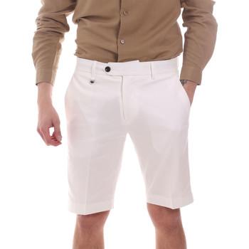 vaatteet Miehet Shortsit / Bermuda-shortsit Antony Morato MMSH00141 FA800142 Valkoinen