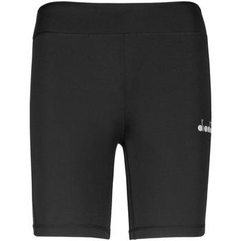 vaatteet Naiset Shortsit / Bermuda-shortsit Diadora 102176130 Musta