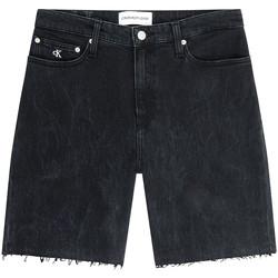 vaatteet Naiset Shortsit / Bermuda-shortsit Calvin Klein Jeans J20J216082 Musta