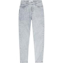 vaatteet Naiset Farkut Calvin Klein Jeans J20J216297 Harmaa