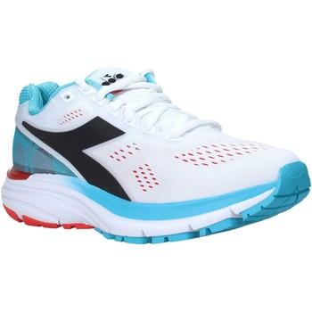 kengät Naiset Matalavartiset tennarit Diadora 101175619 Valkoinen