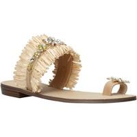 kengät Naiset Sandaalit ja avokkaat Gold&gold A21 GL613 Beige